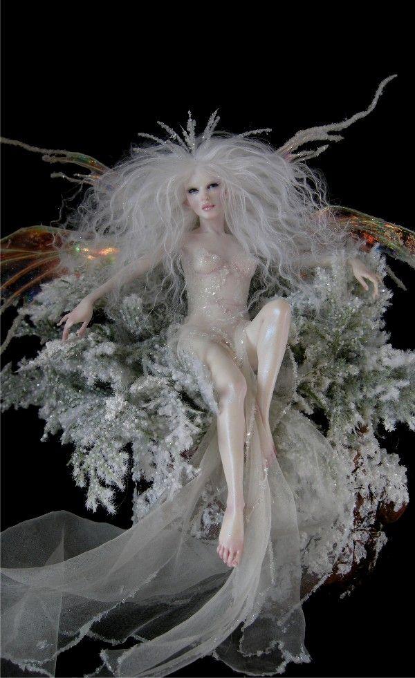 011916-Frost-Queen-Deviant-Art